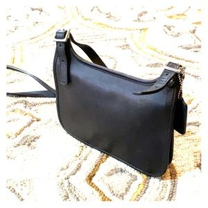 💕 Coach vintage black leather small saddle bag 💕